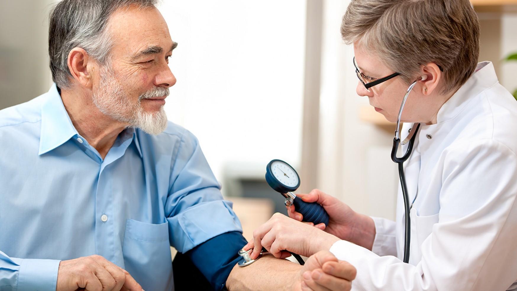 Examen para chequear Hipertensión Arterial o presión de la sangre