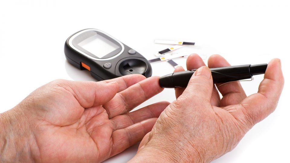 ¿Cómo monitorear sus niveles de Glicemia o Glucemia?