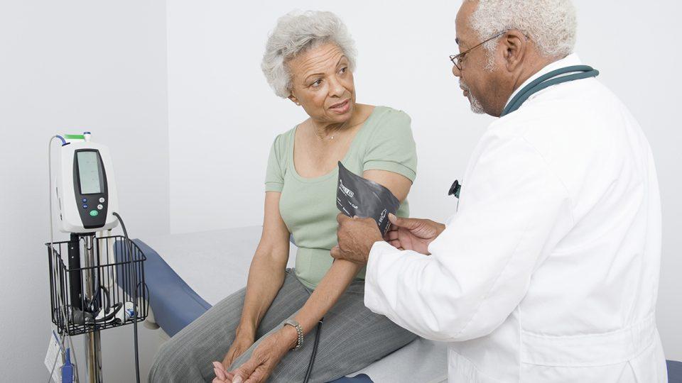 ¿Cómo saber si tenemos y qué puede causar Hipertensión Arterial o Presión Alta?